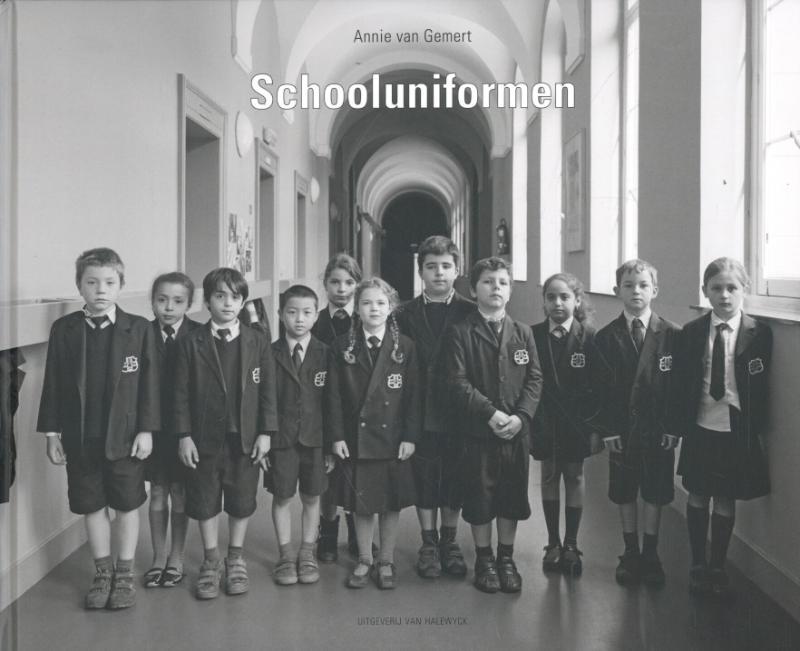 Schooluniformen-SIGNED